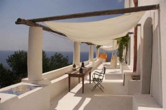 Italian villa, property.angloinfo.com